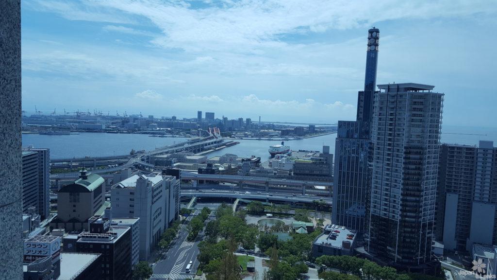 Aussicht von der Kōbe City Hall in Richtung Hafen.