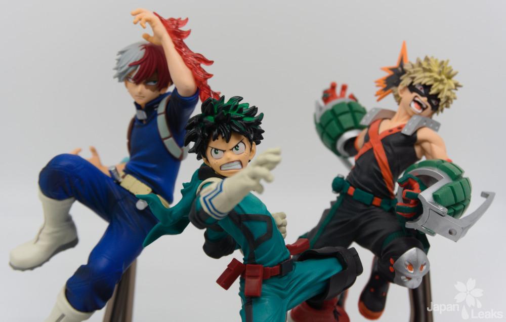 Foto von Figuren aus der Serie My Hero Academia