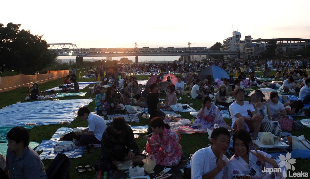 Foto der Sitzfläche beim Chofu Feuerwerk.